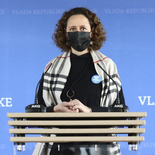 Ministrica Nina Obuljen Koržinek