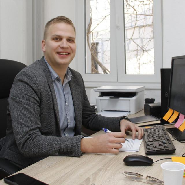 Ivan Kotarac (na slici) svojem je timu u gradskoj tvrtki nedavno priključio i Krešimira Hercega, čovjeka koji je u listopadu 2019. hrabro predvodio Kotarčeve svatove