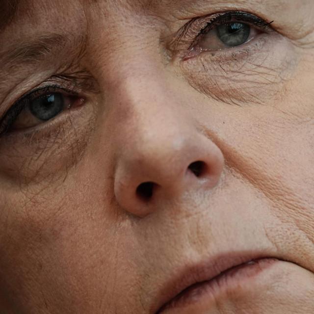 Hrvatska i vlast i oporba čvrsto su i jednostrano naslonjene na Angelu Merkel, što u ovim okolnostima nije osobito ohrabrujuće<br />