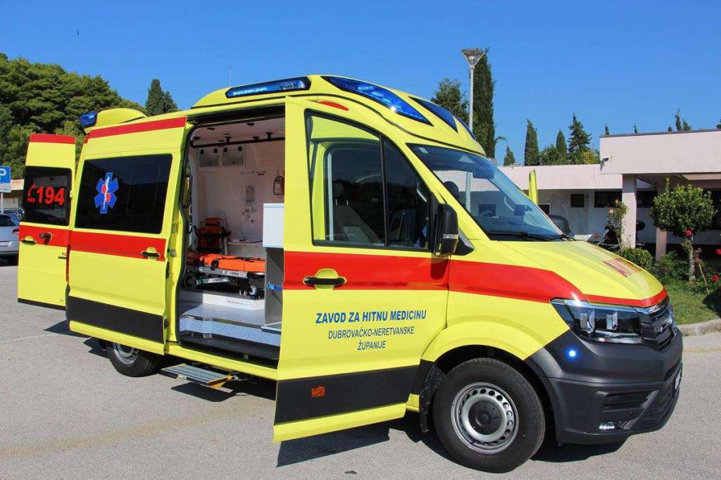 Da je vozilo Zavoda za hitnu medicinu barem prevezlo djeda do bolnice...<br />