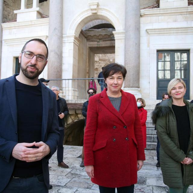 Tamara Visković, Tomislav Tomašević i Sandra Benčić