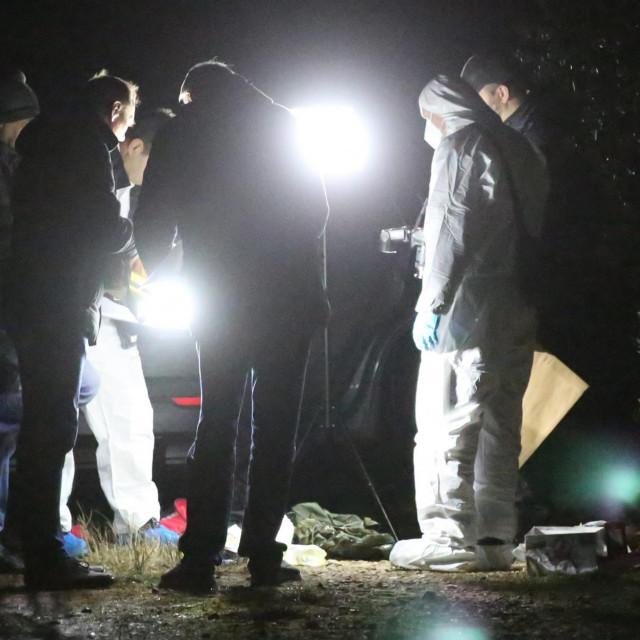 Očevid na sporednom putu između Vodica i Tribunja gdje su policajci pronašli mrtvo tijelo