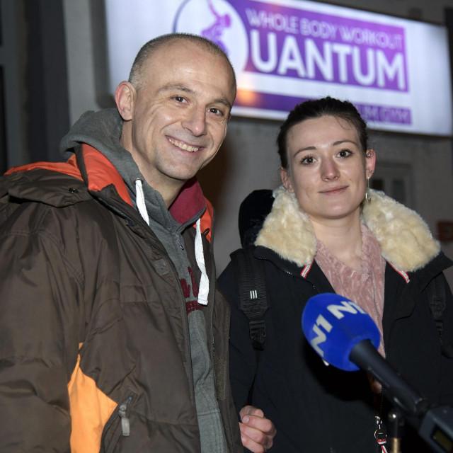 <br /> <br /> Andrej Klaric, vlasnik teretane Quantum Premium Gym na Tresnjevci, daje izjavu za medije ispred teretane nakon sto je pusten iz pritvora.<br /> <br />