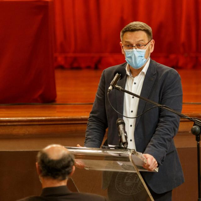 Poteštat Dalibor Ninčević (HDZ) ponovno je zatražio rješavanje 'graničnog spora' s Klisom