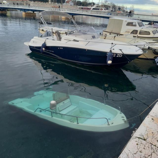 Potopljeni brod u Jazinama