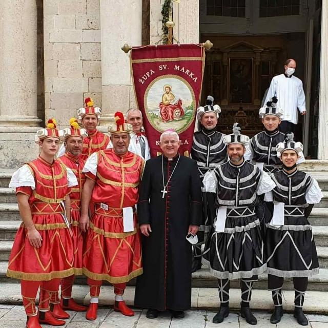 Korčulanski moreškanti prvi put na Festi sv. Vlaha