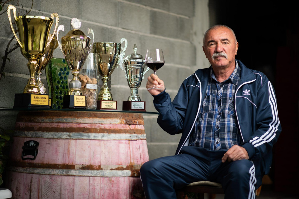 Podgradje, Benkovac, 030221.<br /> Bozo Bacic je vinar iz Podgradja kod Benkovca i pobjednik ovogodisnjeg Vinkova u Stankovcima.<br />