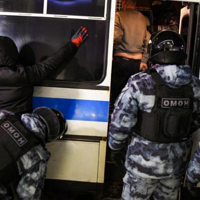 Prosvjedi u Rusiji, protjerani diplomati