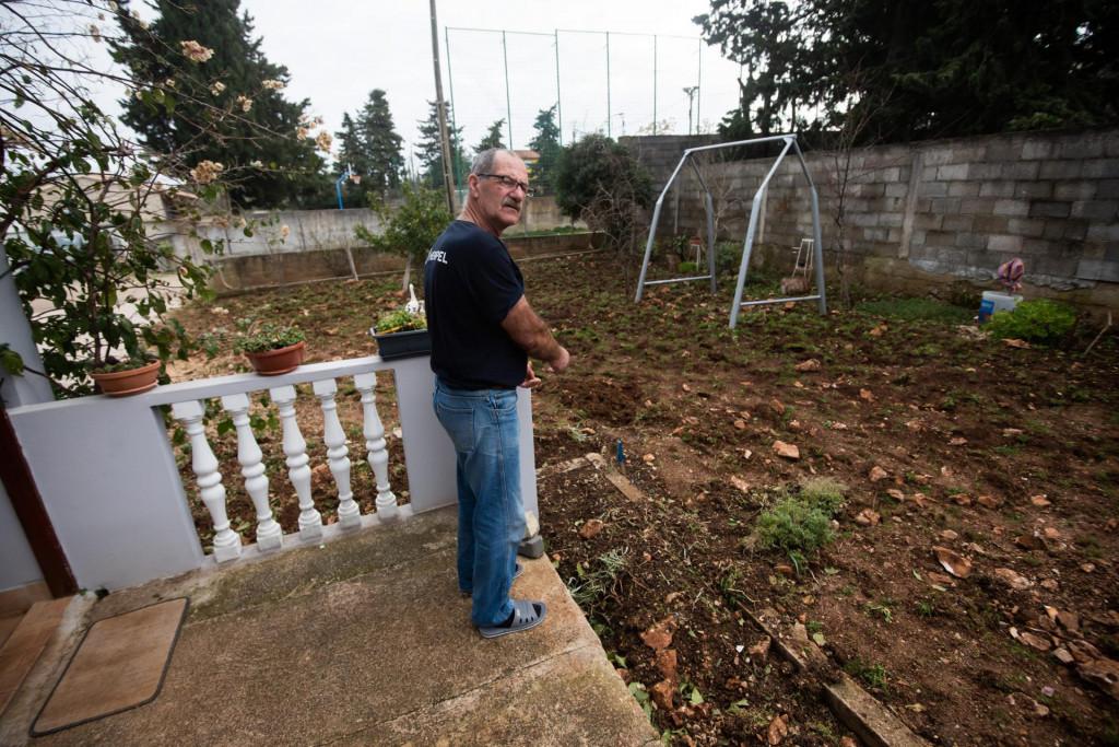 Pirotehničari su uz samu kucu Ivana Sankovica u mjestu Crno kod Zadra pronasli tri mine