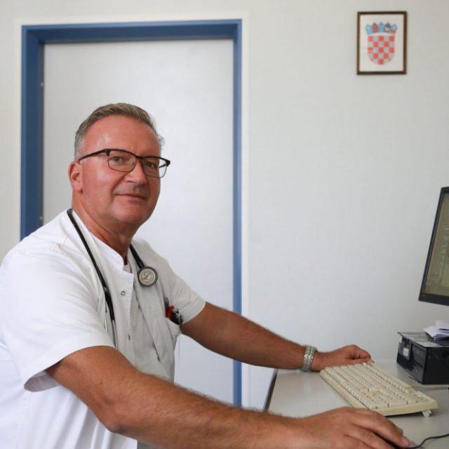 """Dr. Žarko Vrbica: """"Sada znamo da se te ostatne manifestacije bolesti mogu pratiti i preko šest mjeseci od prestanka same akutne faze bolesti"""""""