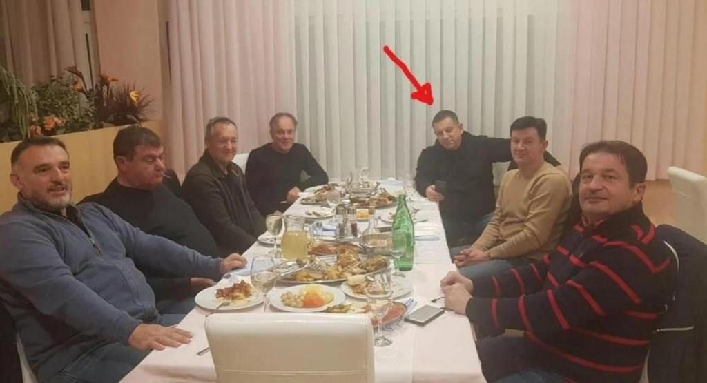 """Sporna večera u hotelu """"Ivan"""" u Kninu una kojoj je bio i šibensko-kninski dožupan Nikola Blažević"""