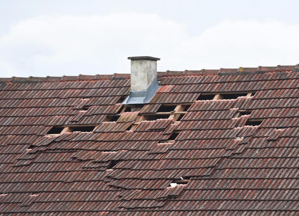Oštećeni krov u Novom Selu Glinskom