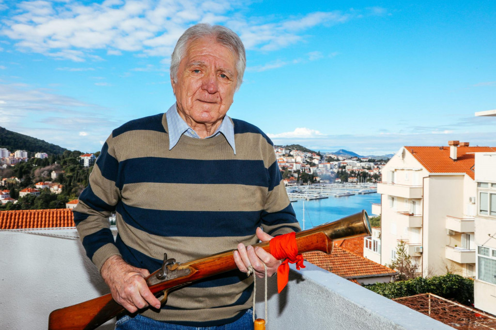 Veteran Stjepan Masle skoro 50 godina druguje sa sto godina starim trombunom