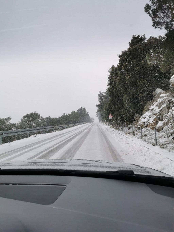 Snijeg na Korčuli počeo se topiti