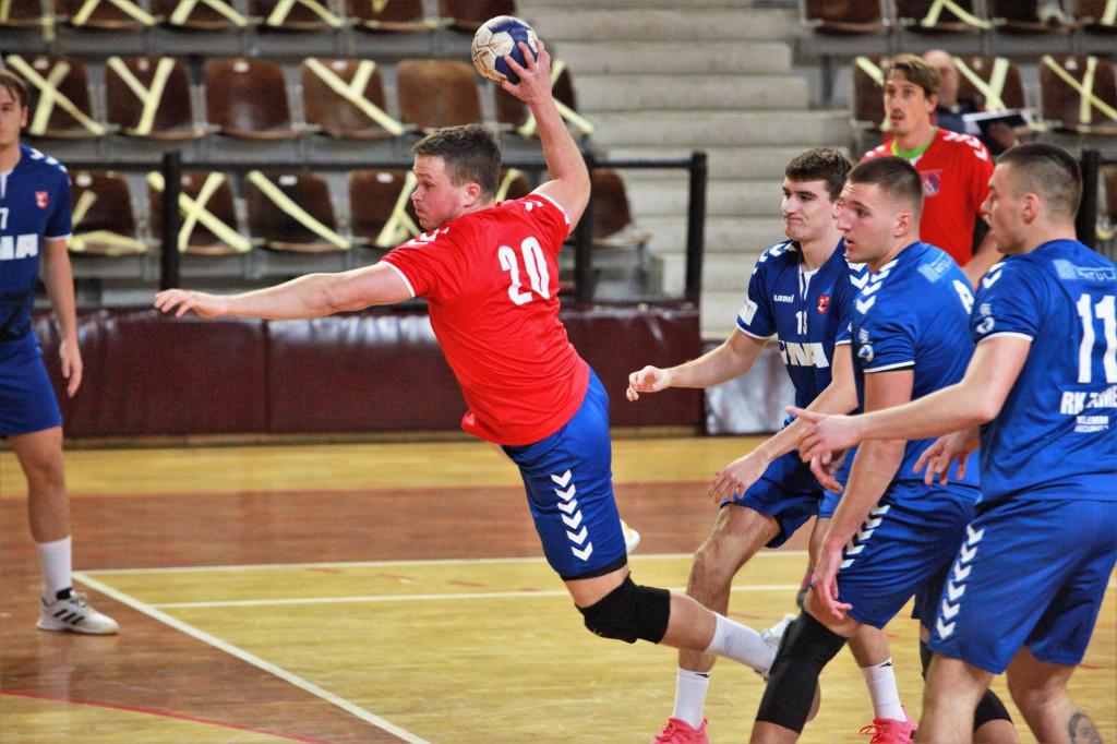 Marino Knez (RKHM Dubrovnik) protiv Zameta u Gospinom polju foto: Tonči Vlašić