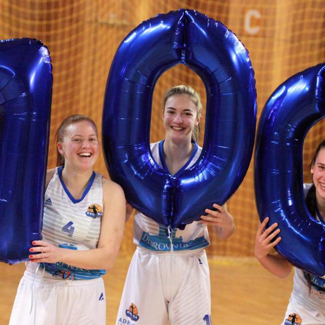 700 - 7 (Marija Pocrnjić), 0 (Tea Ivanišević) i 0 (Romana Stojanović) foto: Tonči Vlašić