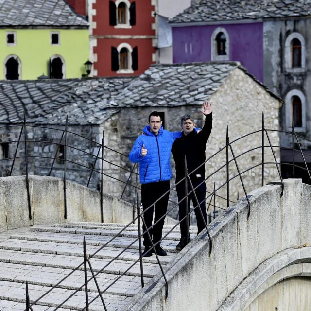 Kenan Juklo i Semir Kazazić:Skakači sa Staroga mosta čekaju bolje dane. Zbog pandemije koronavirusa u gradu nema turista