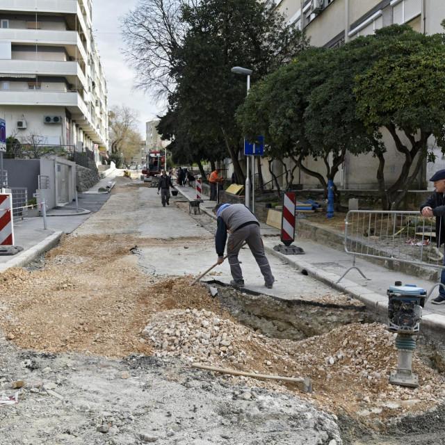 Sada slijedi asfaltiranje razrovanih cesta i sređivanje nogostupa
