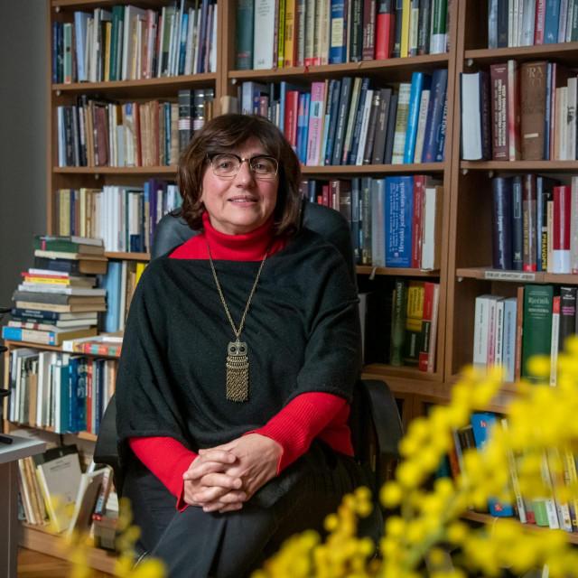 Marica Šapro Ficović od 1987. radi u Dubrovačkim knjižnicama