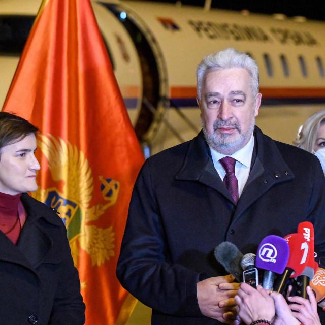 Predsjednica srbijanske Vlade, Ana Brnabić i crnogorski premijer Zdravko Krivokapić<br />