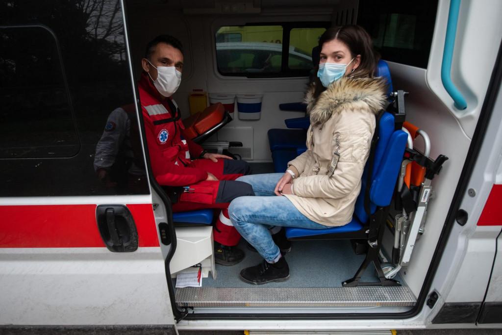 Vozač Neven Marinović i voditeljica sanitetskog prijevoza <strong>Ana Buljat</strong>