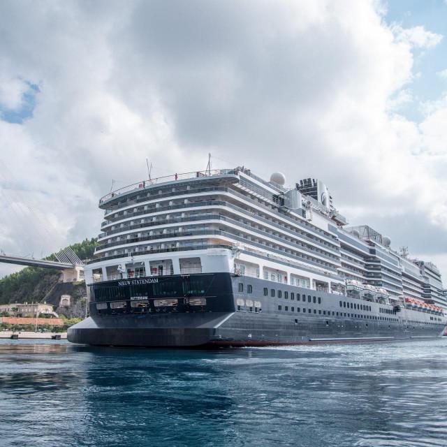 U Grad bi se dovodili američki turisti, odakle će se ukrcavati u kruzere i ploviti prema Splitu, Šibeniku, Zadru te natrag za Dubrovnik