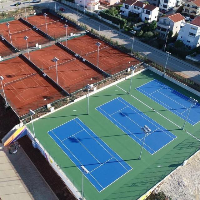 Teniski tereni