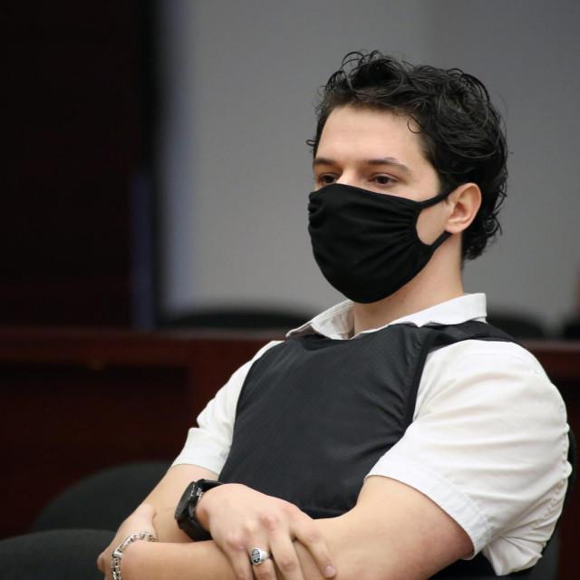 Sudjenje Filipu Zavadlavu za trostruko ubojstvo održava se u Velikoj dvorani Županijskog suda u Splitu<br />