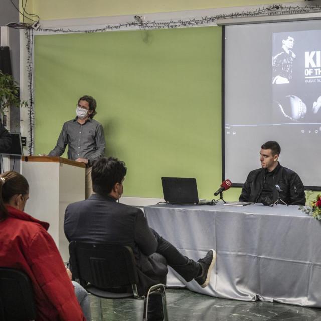 Lucija, Ivana i Bruno Cikatić:Ispunili smo mu želju objavom knjige...