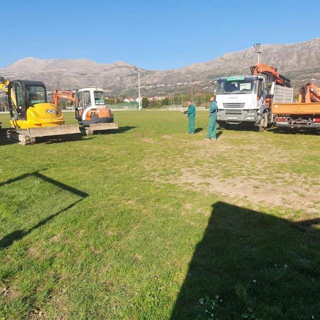 Započeli su radovi na rekonstrukciji glavnog nogometnog terena NK Čibača