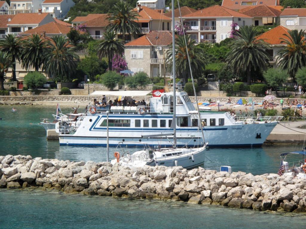 Brod Tamaris KTD Bilan kojim se obavlja putnička linija Orebić-Korčula