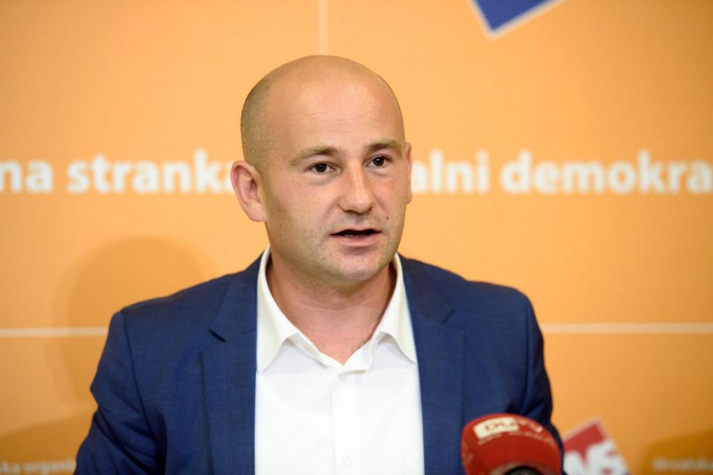 Valentin Dujmović