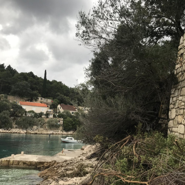 Mještani se bune protiv gradnje otočke magistrale i nasipavanja mora na Korčuli