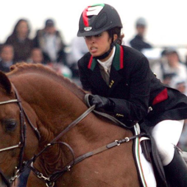 Princeza Latifa al-Maktoum na Azijskim igrama 2006. godine osvojila je brončanu medalju. Sad se pokušava izboriti za svoju nesretnu, zatočenu i navodno uništenu stariju sestru