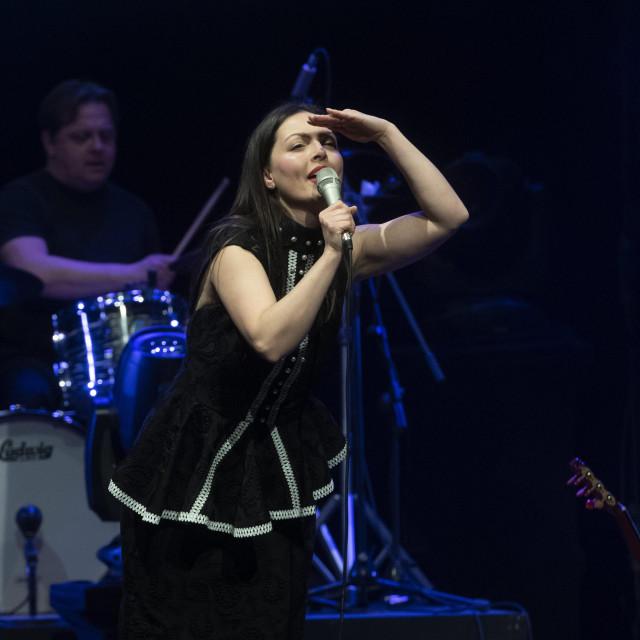 Ana Opačak uz Juricu Karuzu i Daniru Ipavec 11. ožujka publiku vodi pod pariško nebo<br />