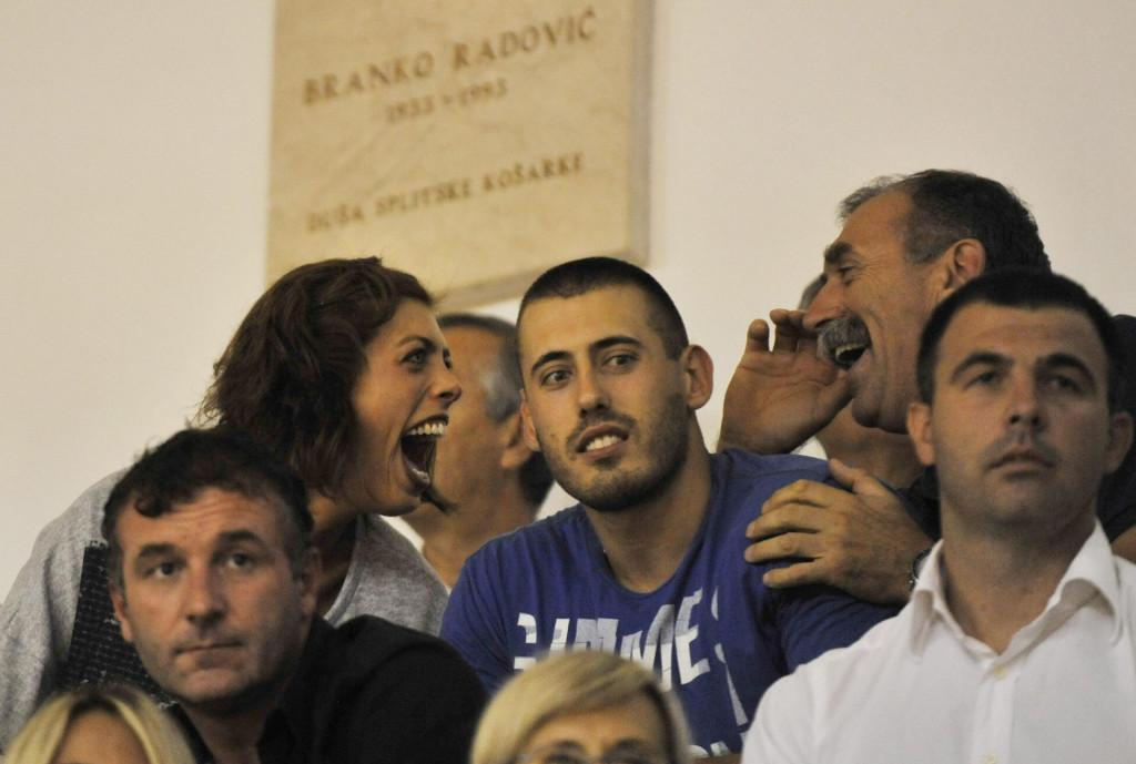 Vlašići su bliski: Blanka s bratom Marinom i ocem Joškom na košarkaškoj utakmici Split-Crvena zvezda 2012. godine