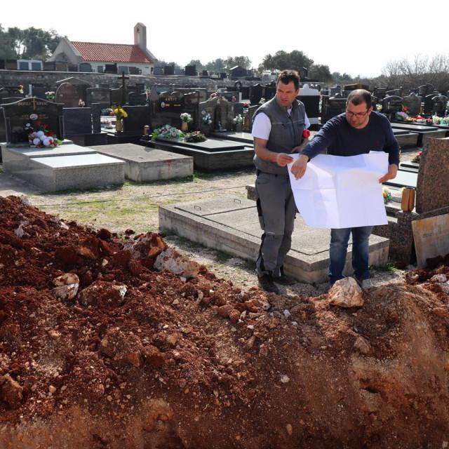 rekostrukcija groblja na Viru