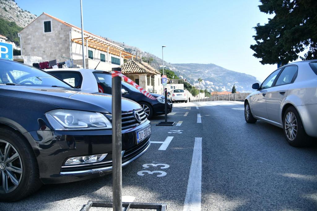 Zamjenjuju se senzori na parking mjestima u Zagrebačkoj ulici