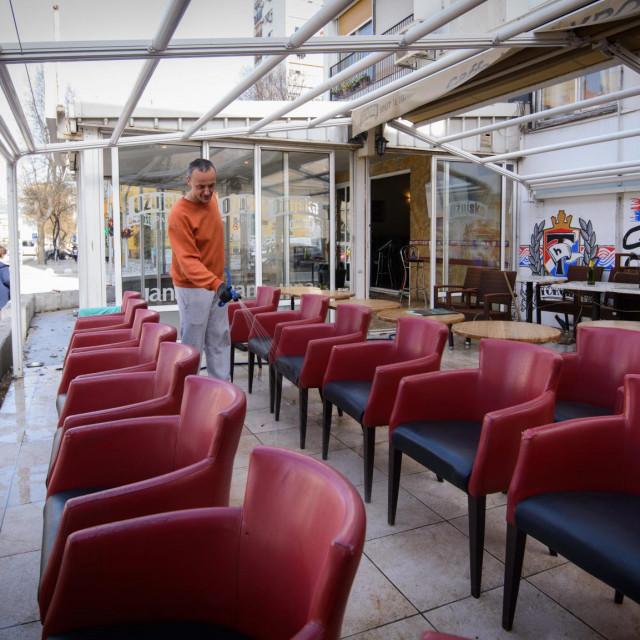 Na fotografiji: caffe bar Krom