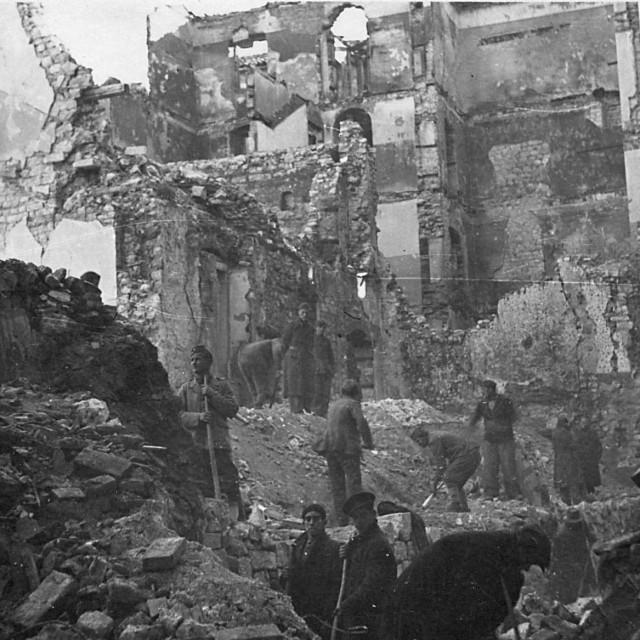 Ivan Jeričević, Čišćenje ruševina, 1945.