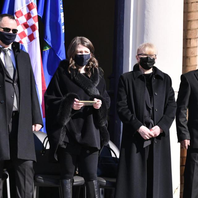 Obitelj Milana Bandića ispratit će svog supruga i oca na posljednji počinak