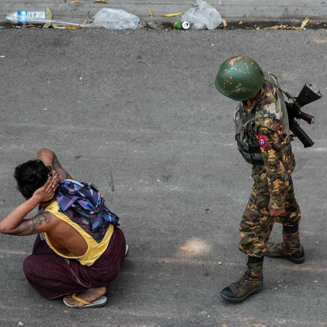 Na udaru represije pučista su zagovornici demokracije, novinari, aktivisti za ljudska prava...