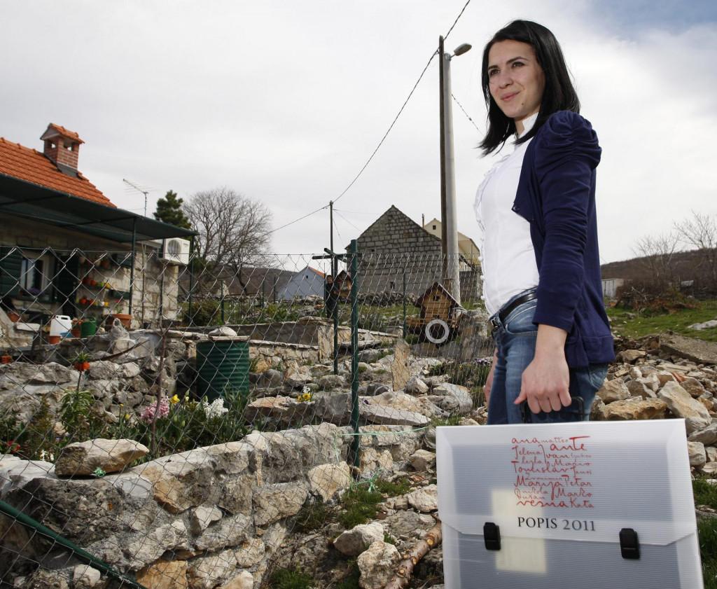 Ovako je to bilo prije deset godina, sada je po selima Dalmatinske zagore još manje ljudi