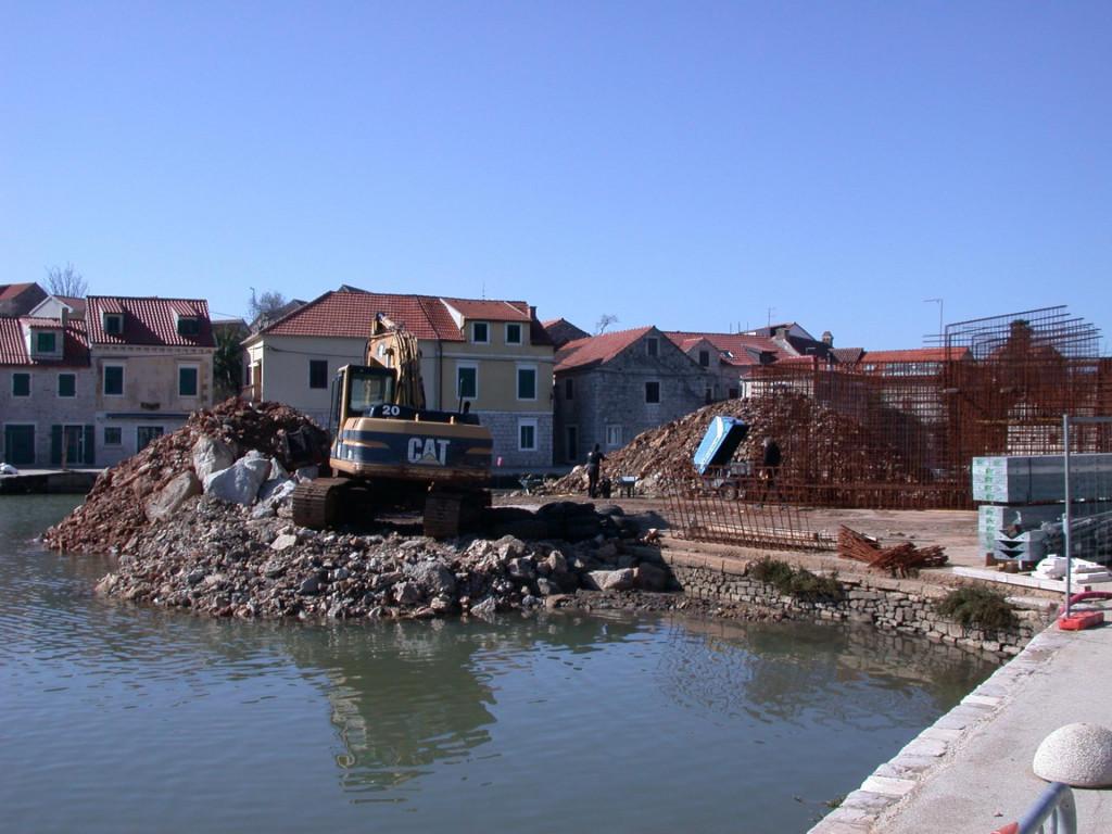 Radovi na izgradnji novog prvog mosta u Vrboskoj