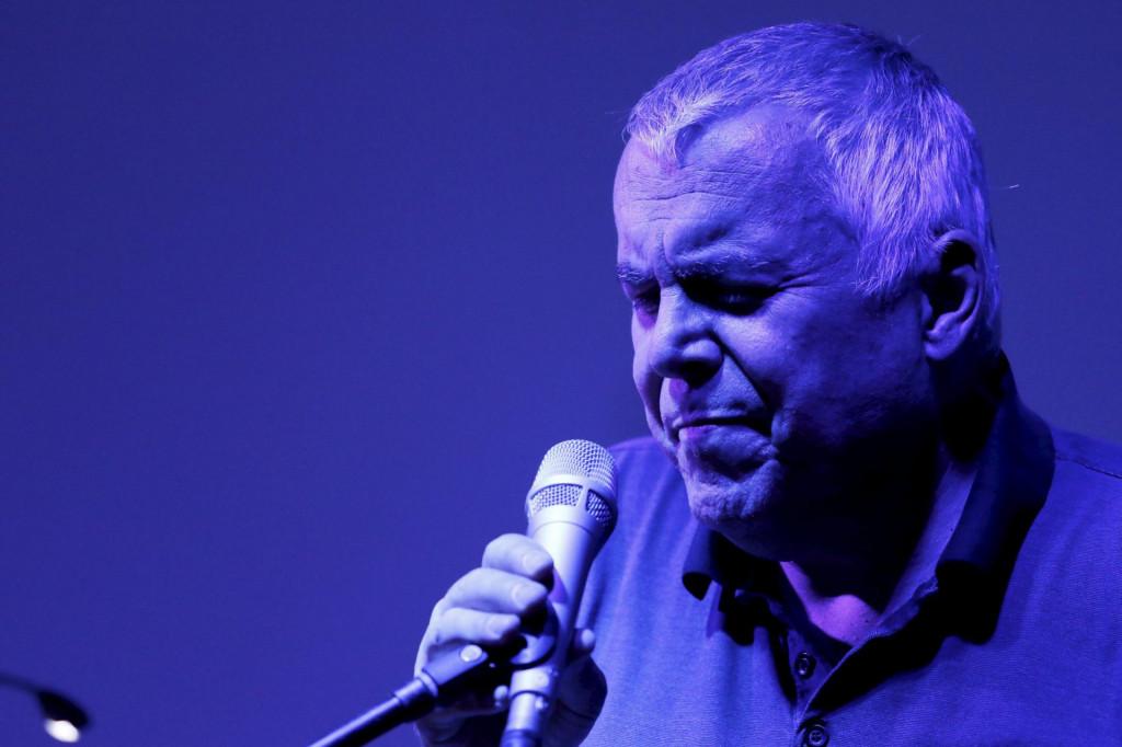 Zoran Predin, vješt za mikrofonom i za tipkovnicom
