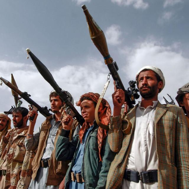 Prema američkim izvorima, Bidenova administracija pokušava pokrenuti neposredne pregovore s jemenskim Hutima