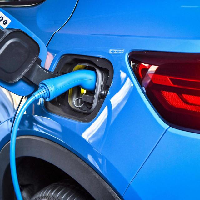 Prošle godine se u EU-u prodalo gotovo milijun električnih vozila, odnosno 10 posto ukupne prodaje