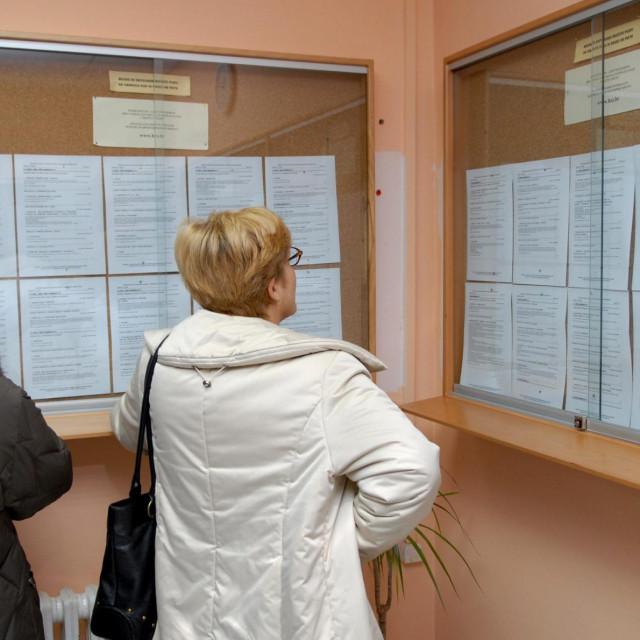 Zadar, 220108.<br /> Zavod za zaposljavanje u Zadru.<br /> Na zadarskoj burzi rada povecava se broj nezaposlenih.<br />