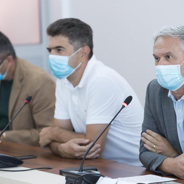 Prorektori prof. dr. Željko Radić, prof.dr. Goran Kardum i rektor prof.dr. Dragan Ljutić