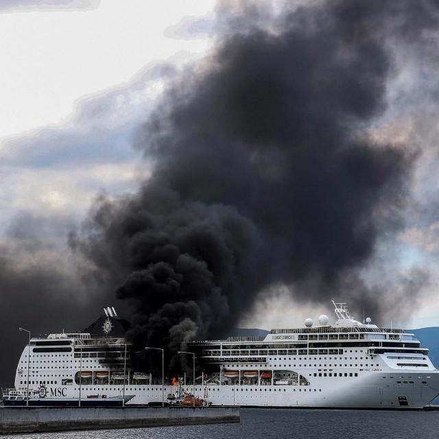 Kruzer MSC Lirica na otoku Corfu